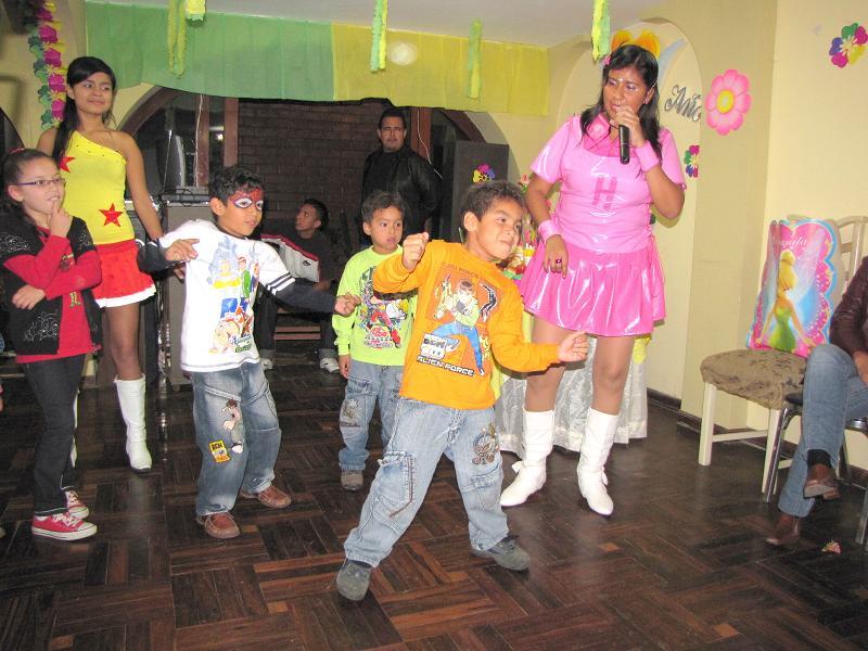 Bailando reggeton